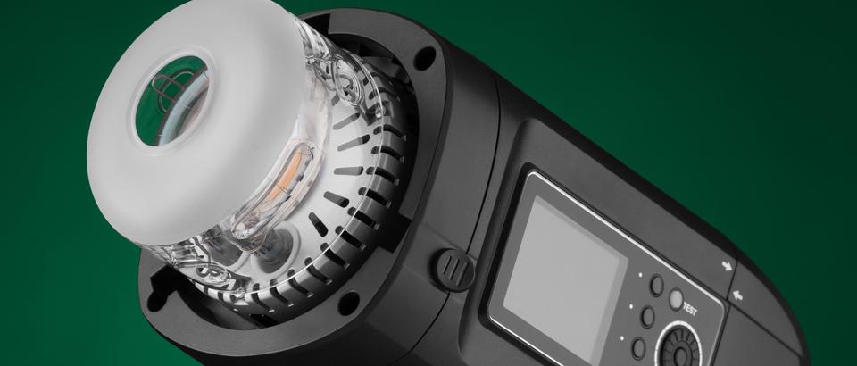 Plenerowa lampa błyskowa HD400Pro